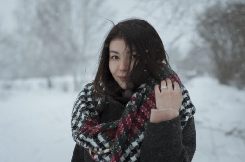 How to Pick the Right Scarf for Winter | Scarf For Winter And How To Buy One